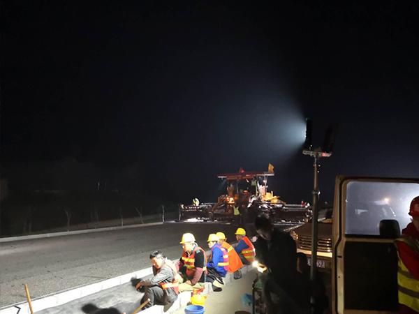 移动照明车施工视频